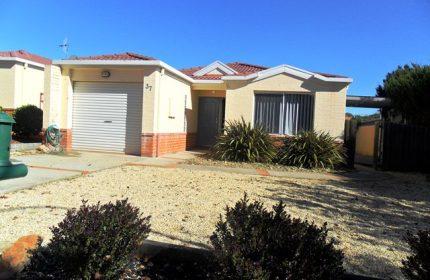 Civium Listing Canberra Magenta Square